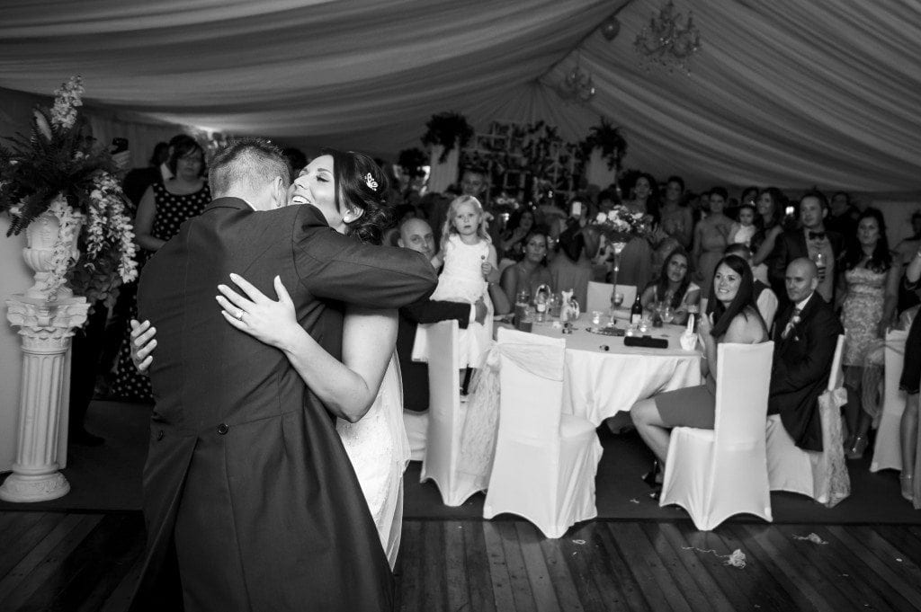 Vicky & Martin hugging at the end of the first dance
