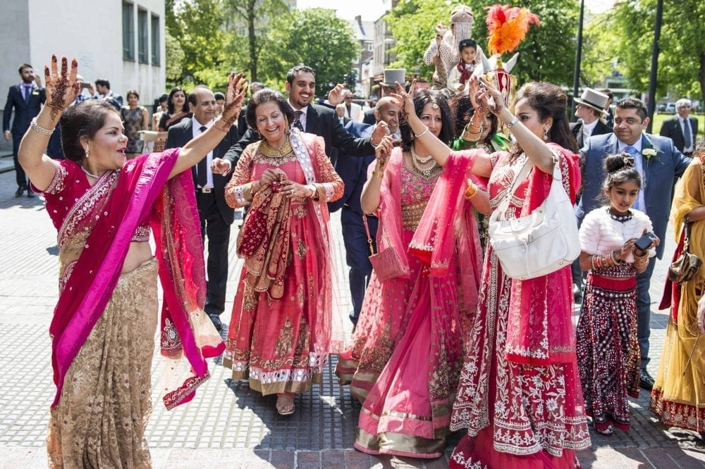 Asain wedding newcastle civic centre for the wedding of Anjali & Rajan. What a fantastic day celebrating there asian wedding in newcastle captured by Leighton Bainbridge Photography