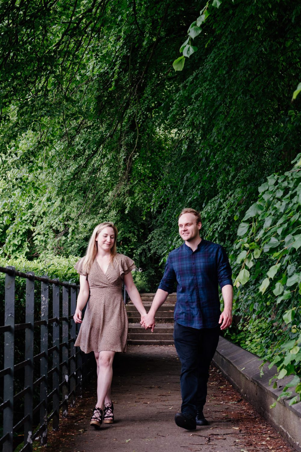 what a amazing pre wedding photography at Saltwell Park with Frances & Jonathan